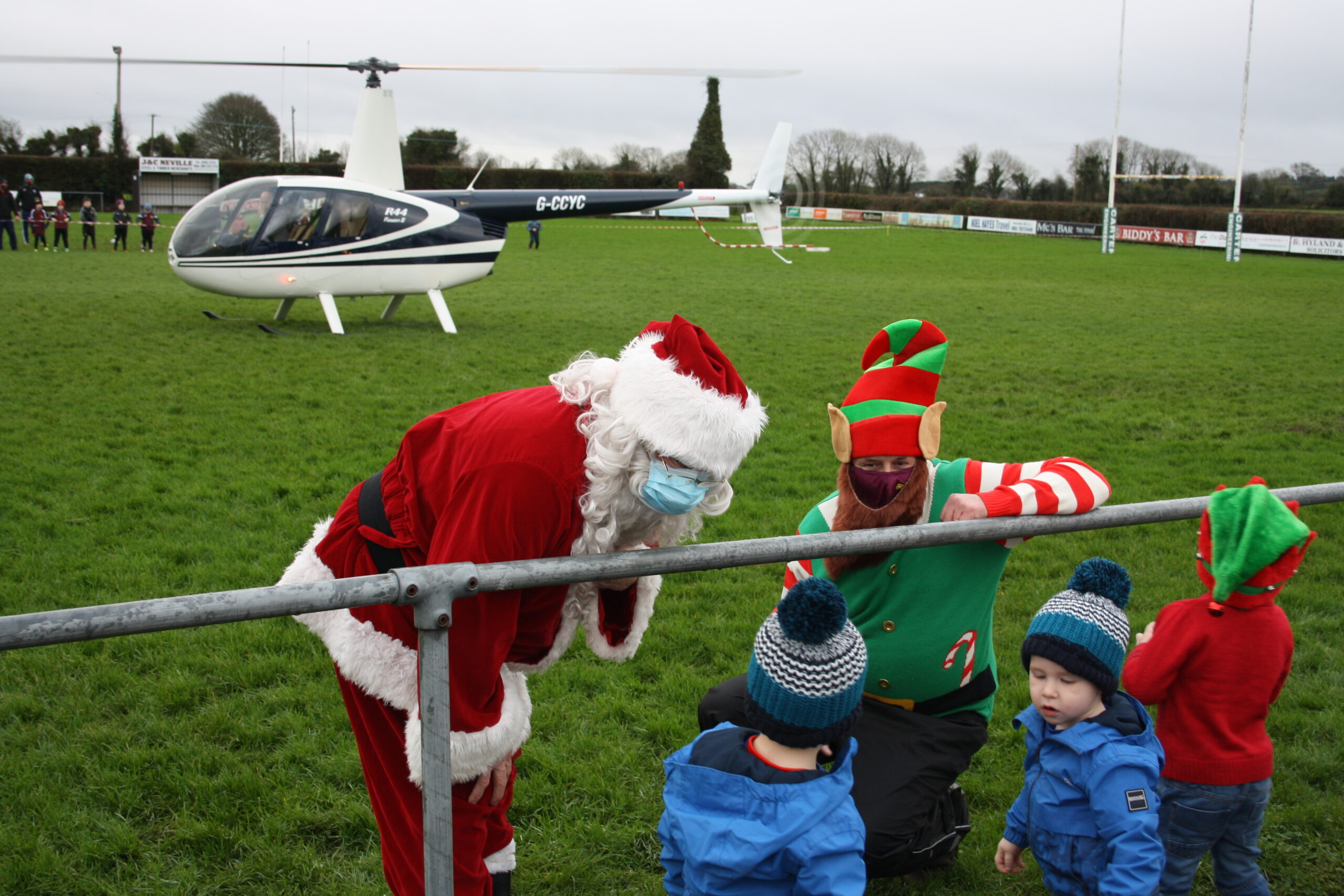 Santa arrives to Roscrea RFC by helicopter